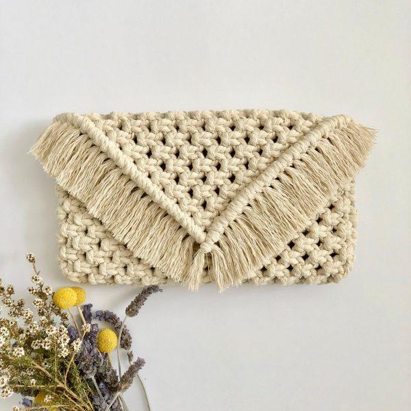 Túi xách macrame XM05 là mẫu túi xách thời trang cho bạn nữ nào yêu thích phối đồ thời trang tại Tphcm